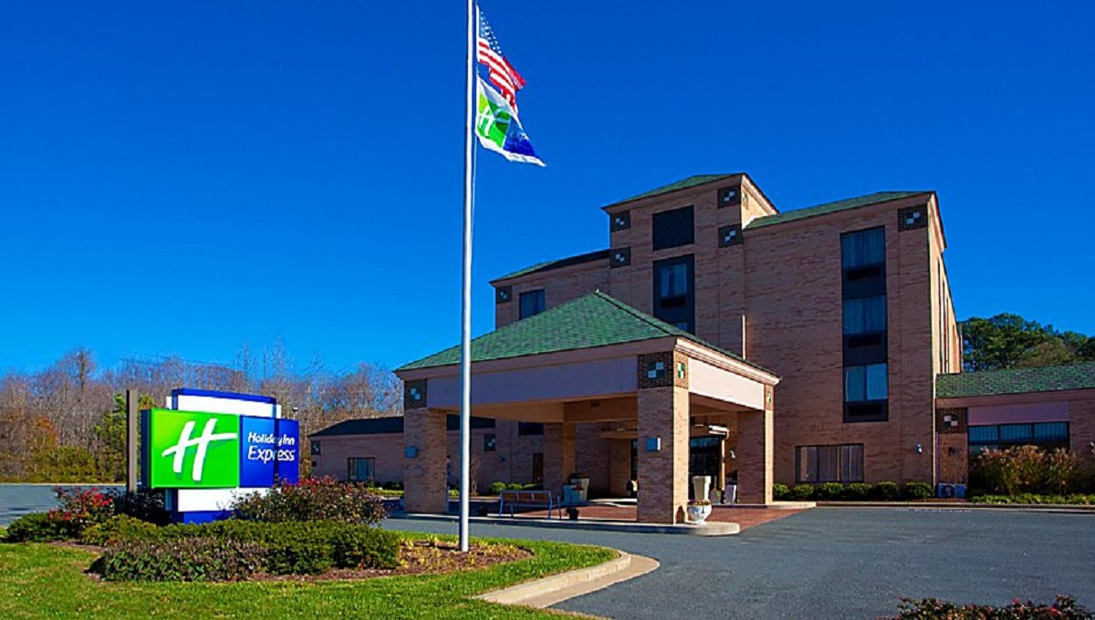 holiday-inn-express-easton-2532489062-2x1